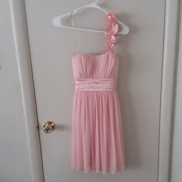 Sequin Hearts Dresses & Skirts - EUC Sequin Heart Pink Chiffon Flower 1 Strap Dress